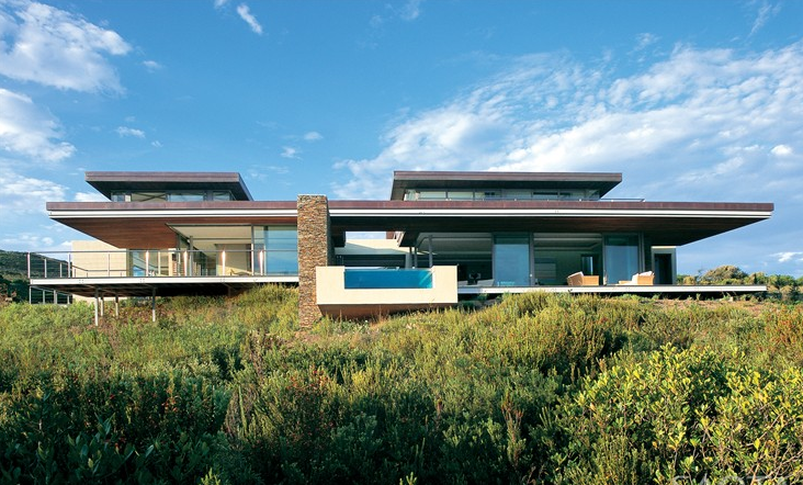 South african firm designs spaces with a modern airy for Award winning home designs 2012