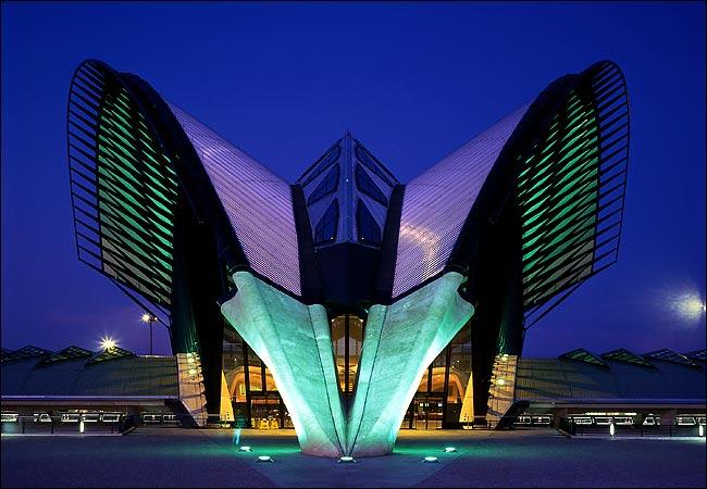 Santiago Calatrava Drawing Across The Sky Kmp Furniture