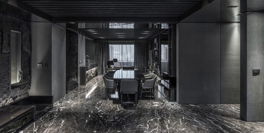 Elegant Mirrored Black Ceiling and Floor to Reflect Cool Interior Design Home Project in Black Serenity