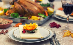 How To Decorate Your Thanksgiving Table Like A Stylist?